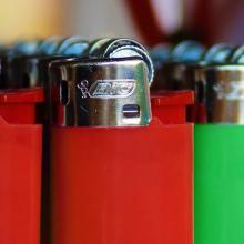 BIC J23 Feuerzeug | Medium | Vollfarbe | Schnell | 772340