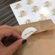 Braune Tasche | Ohne Griffe | 25 x 5 x 10 cm | Vollfarbaufkleber | max1082