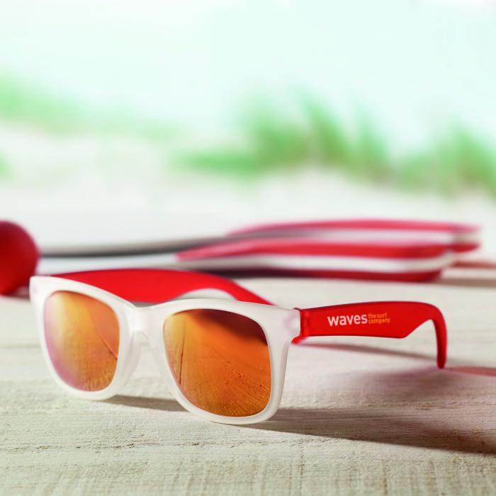 Sonnenbrille mit verspiegelten Gläsern   8798652